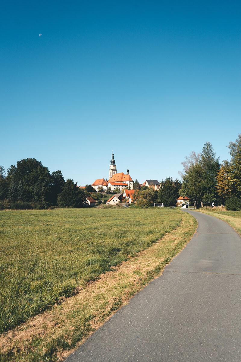 Mitten in Oberfranken - mit Blick auf die Pfarrkirche St. Michael in Stadtsteinach